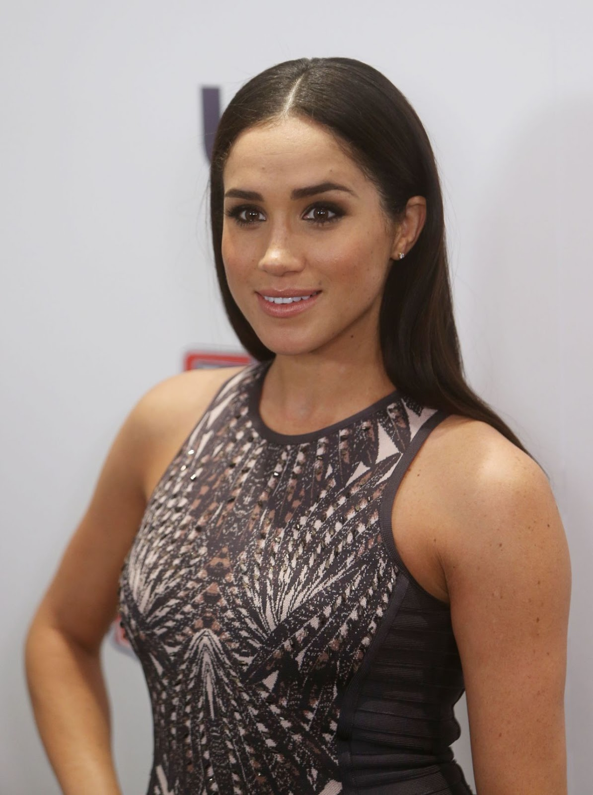 Meghan Markle Hot Sizzling Actress Hd Wallpapers Hd Wallpapers High Definition Celebrity