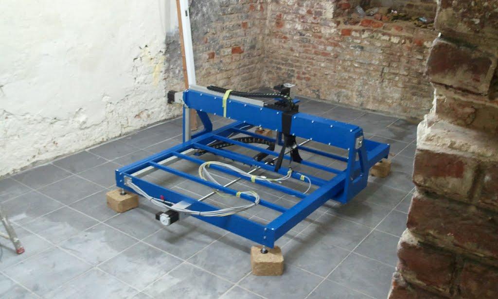 Carrelage design outil pour couper le carrelage for Outil pour enlever carrelage
