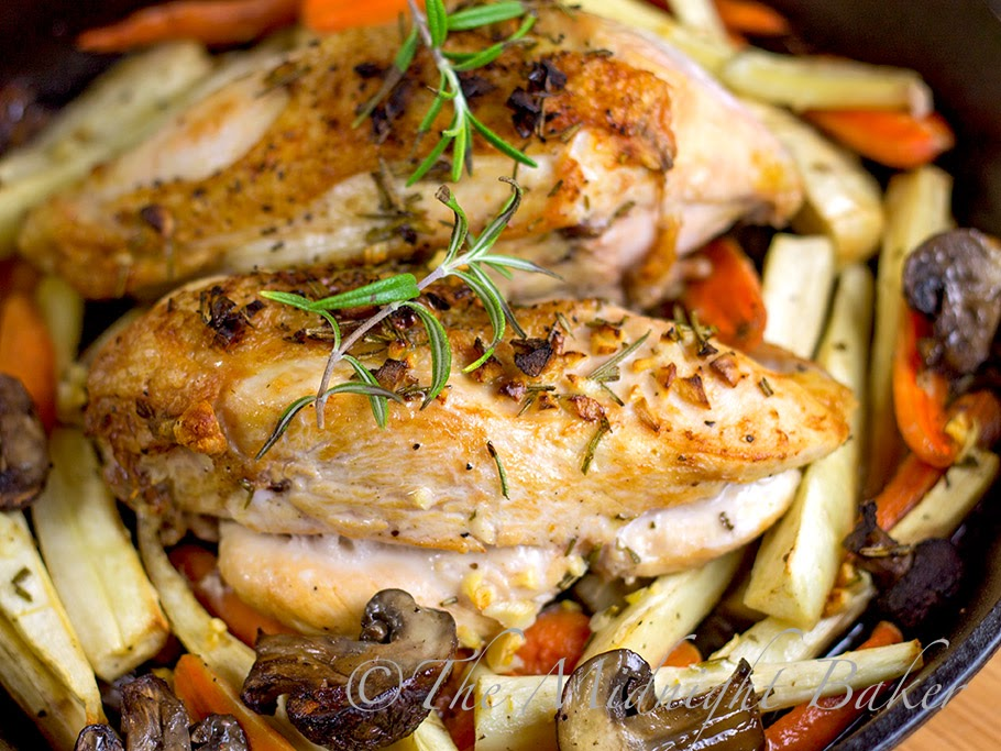 Rosemary Roast Chicken and Vegetables | bakeatmidnite.com | #chicken ...