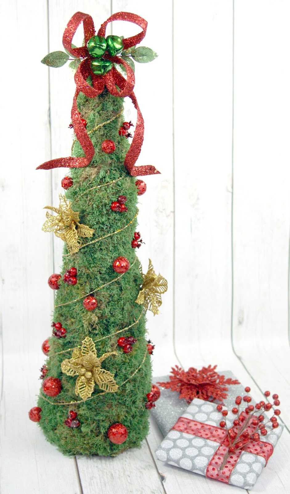 DIY Rustic Moss Christmas Tree by The Scrap Shoppe - Do More for Less