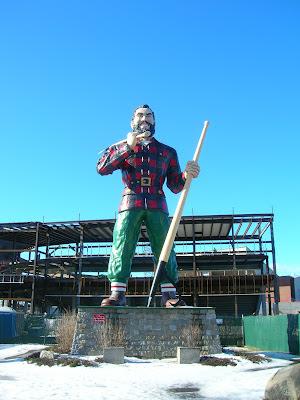 Paul Bunyon statue Bangor