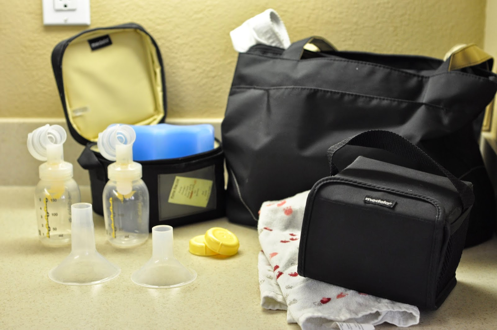 Everything you need in your breast pump bag
