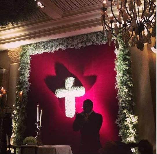Decoração do casamento de Val Marchiori era fúnebre