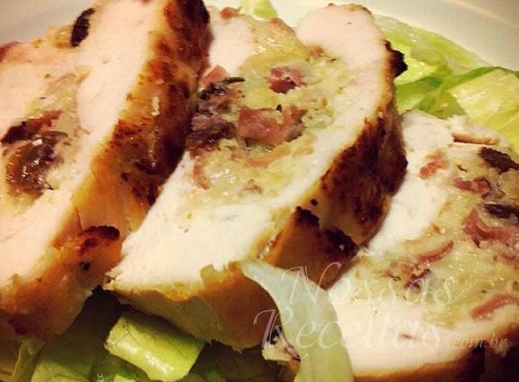 Receita de Peito de frango recheado com bacon e queijo