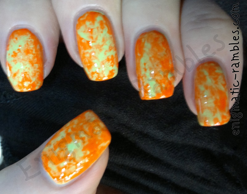 color-club-twiggie-wham-pow-neon-nails-nail-art-marble-saran-wrap-clingfim-bag-dab