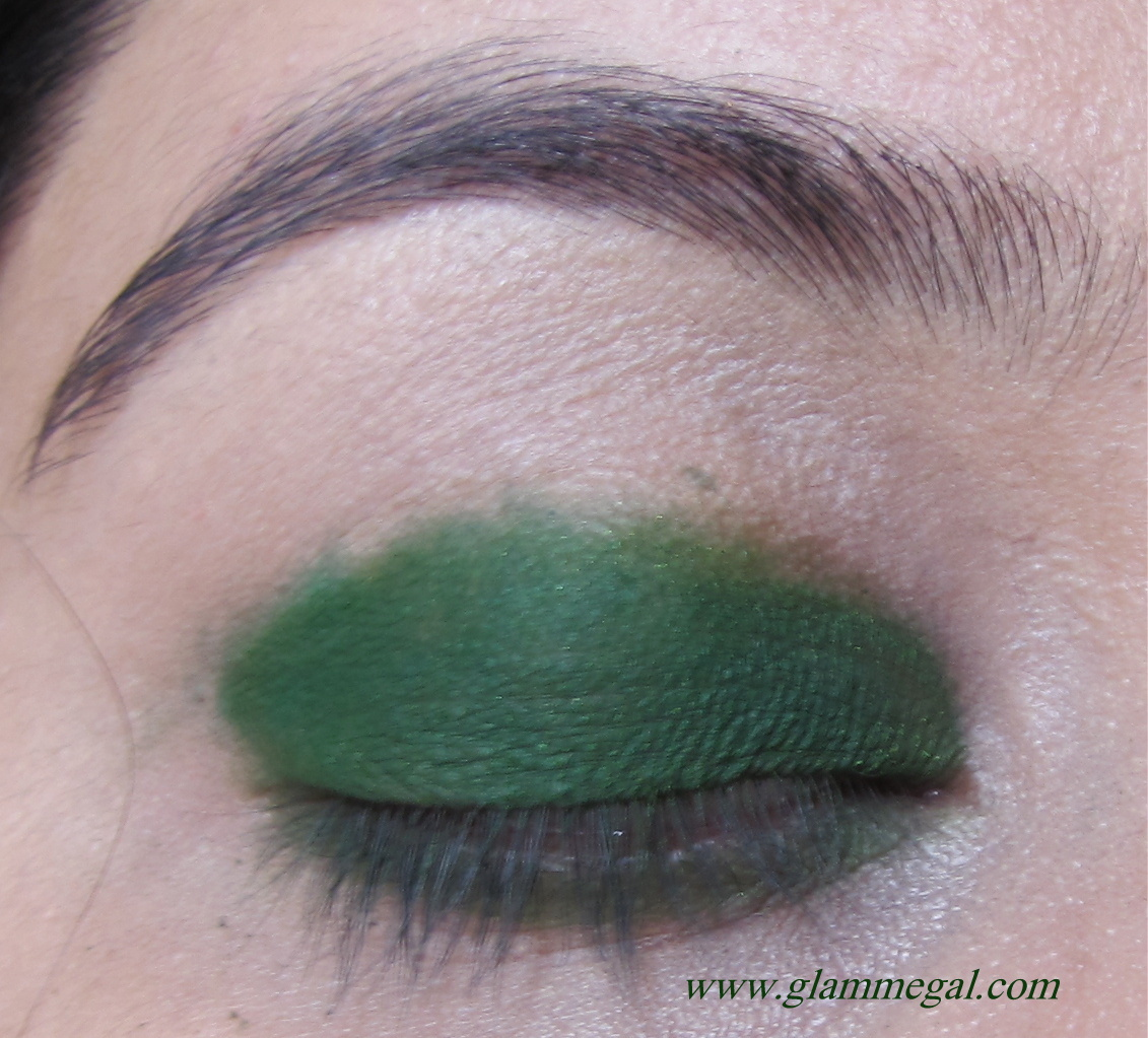 Makeup tutorial go green on the eyes glammegal coastal cents 88 original palette baditri Image collections