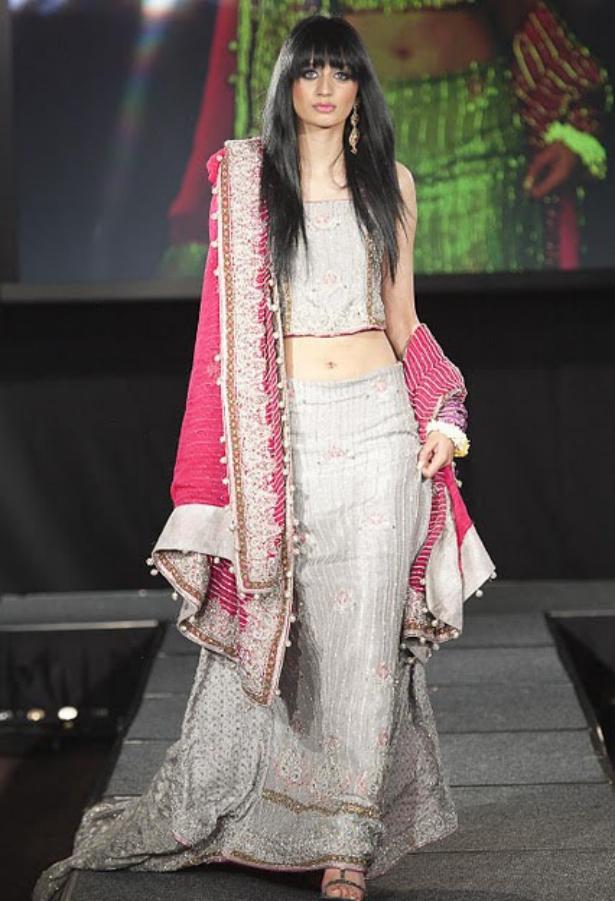 Arab Models Wear Beautiful Dresses Ladies Mails
