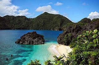 Obyek Wisata Pantai Eksotis Semenanjung Caramoan Filipina