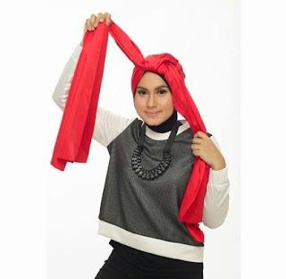 Tutorial Hijab Turban Tumpuk Step 2