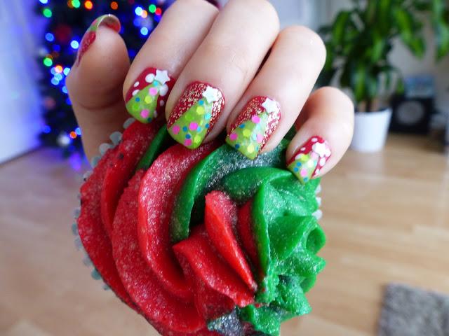 Xmas nails - świąteczne choineczki