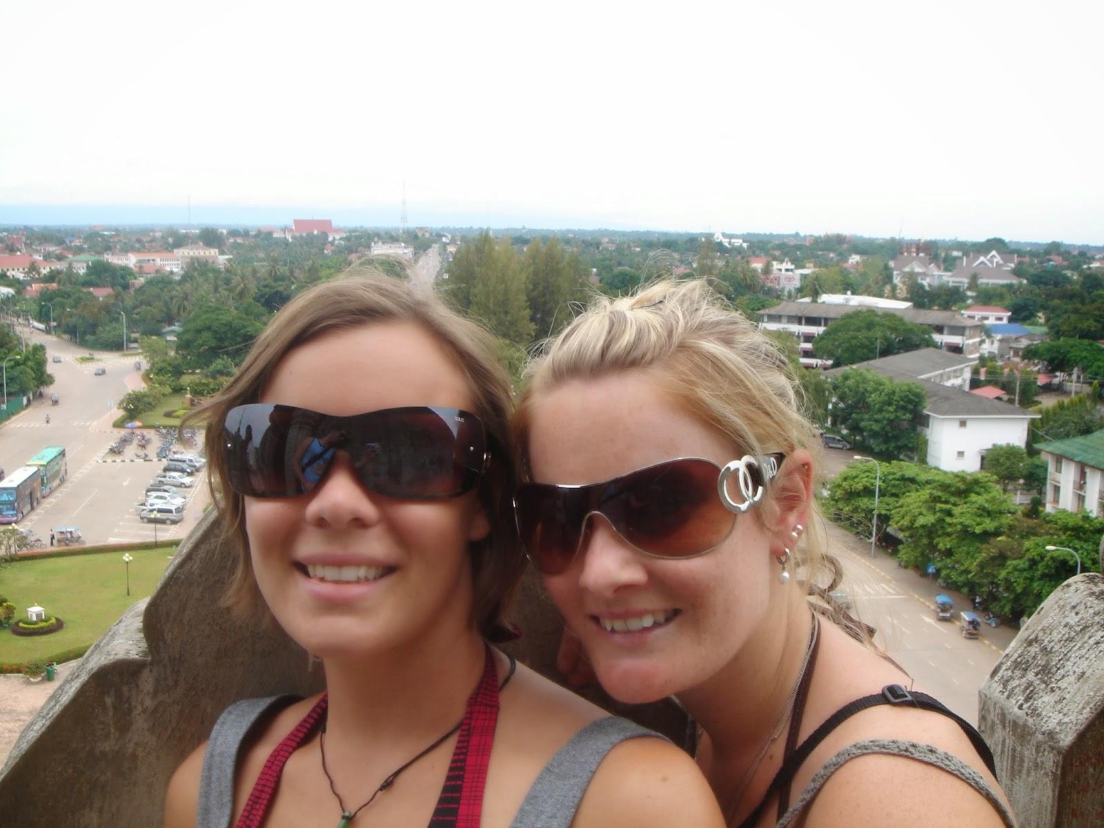 Patuxai-Gate-laos-vientiene-view