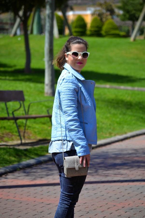 look_cazadora_azul_bebe_clon_zara_primark_bailarinas_leopardo_lolalolailo_05