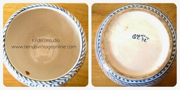 Jarrones de cerámica valenciana firmados.