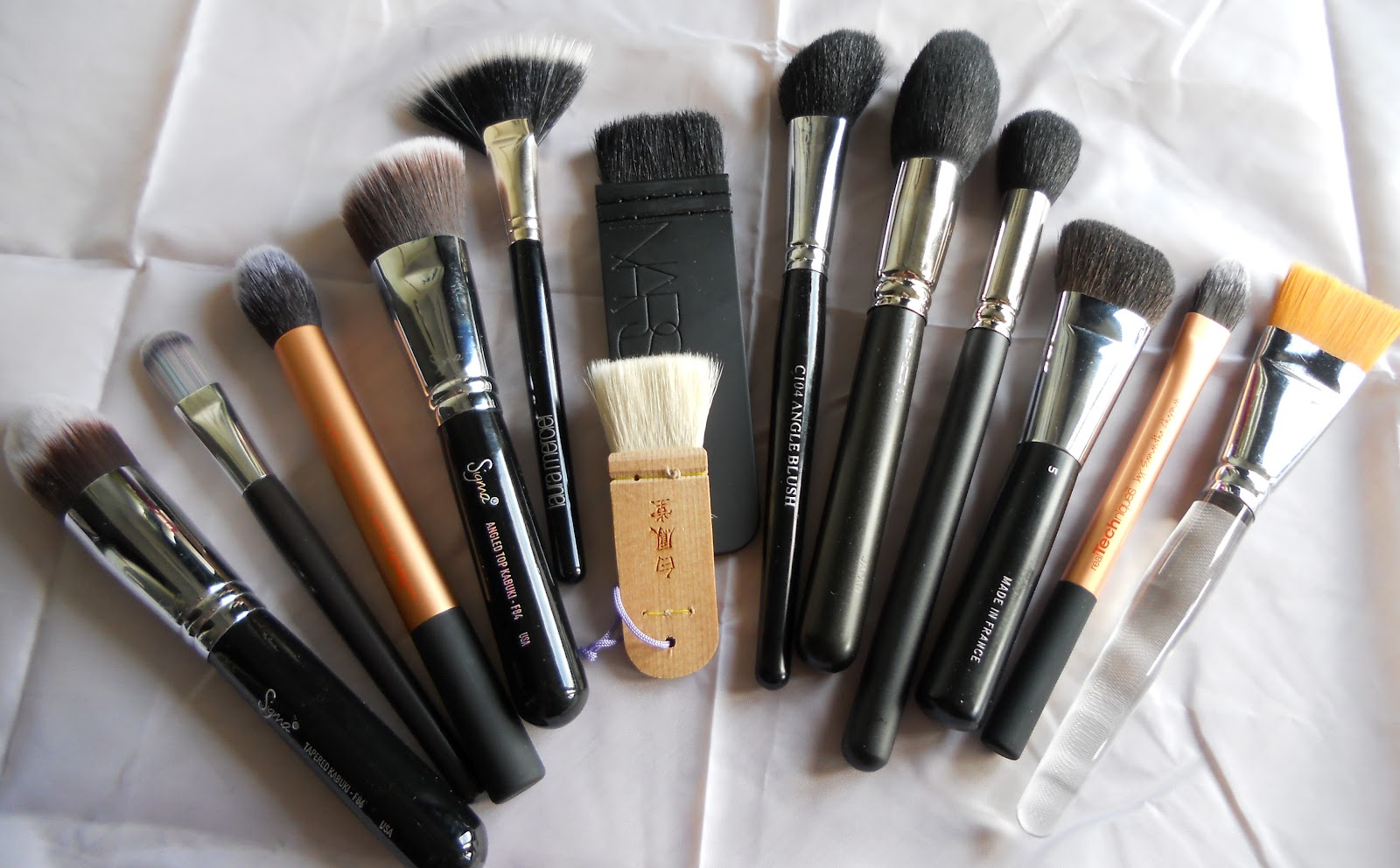 Make Up For Dolls: Brushes I use for Contouring