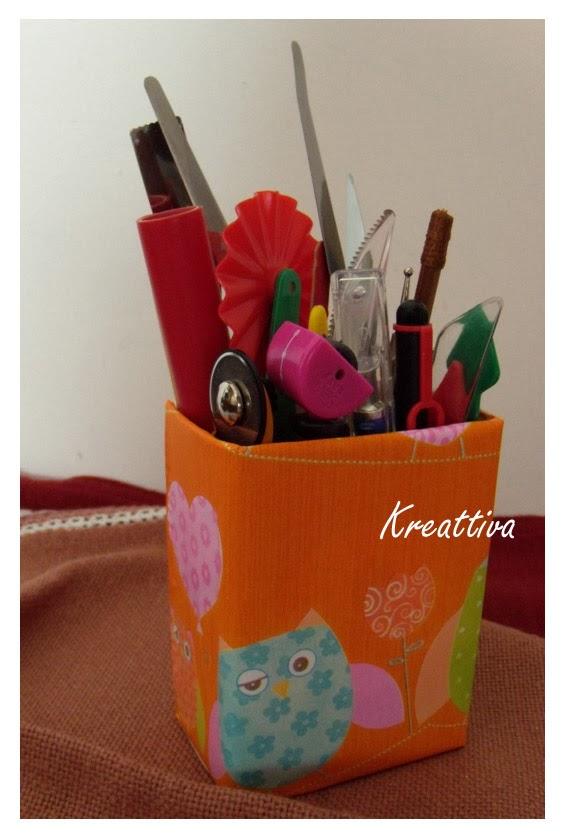 Porta penne con carta regalo kreattivablog for Materiali da costruzione economici