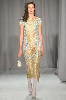 haute couture marchesa robe dentelel soie doré or fait mains
