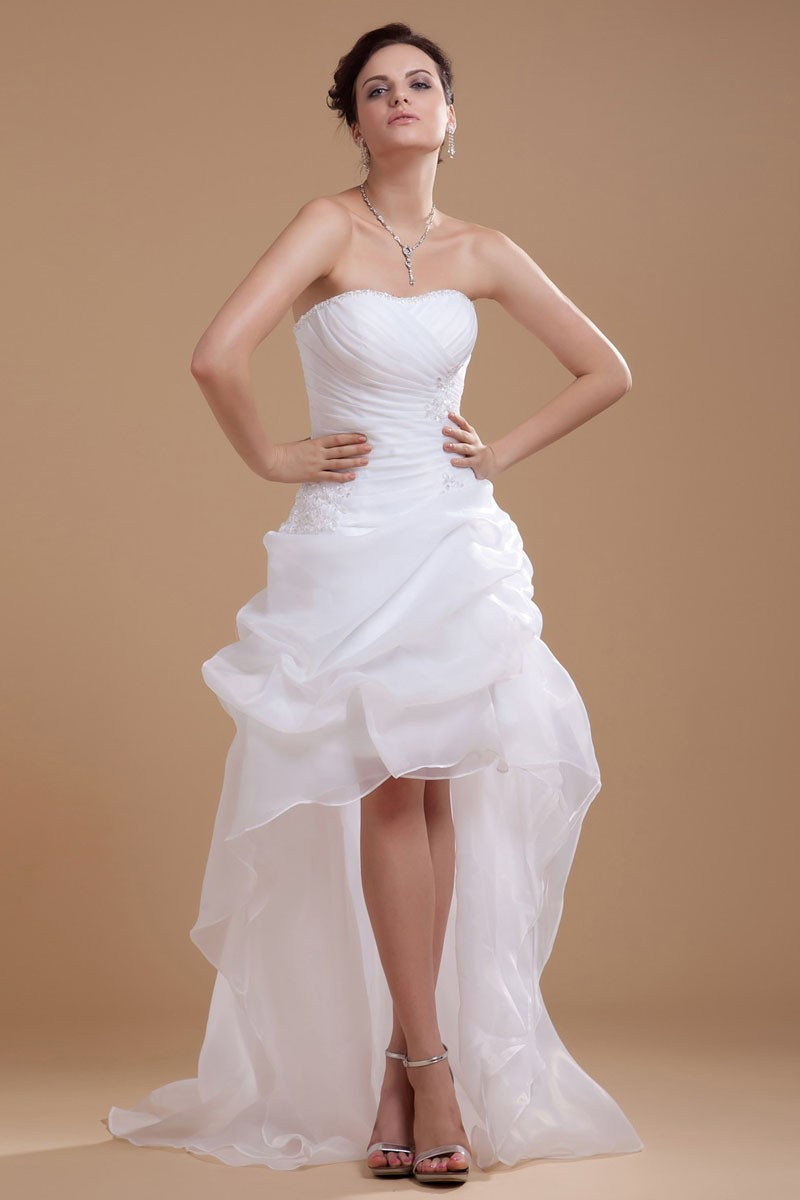 The stylista wedding dresses for any body shape the for Body shaper for wedding dress