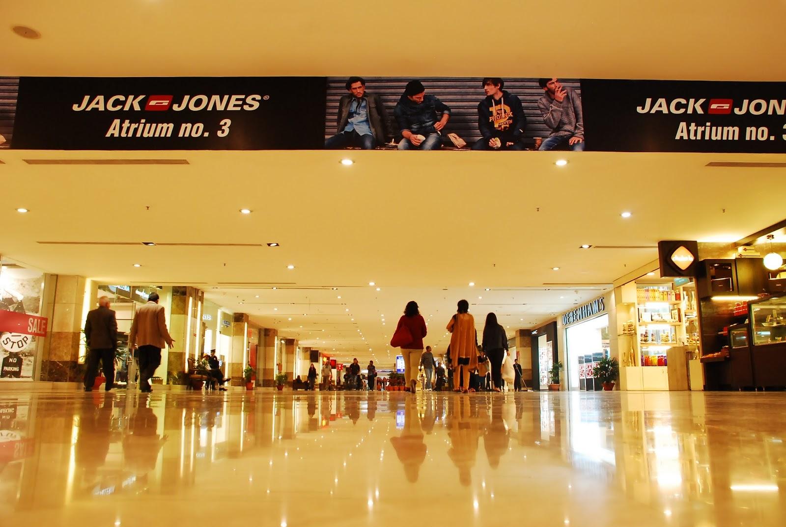 Grand Foyer Mall Gurgaon : Ambience mall gurgaon india travel
