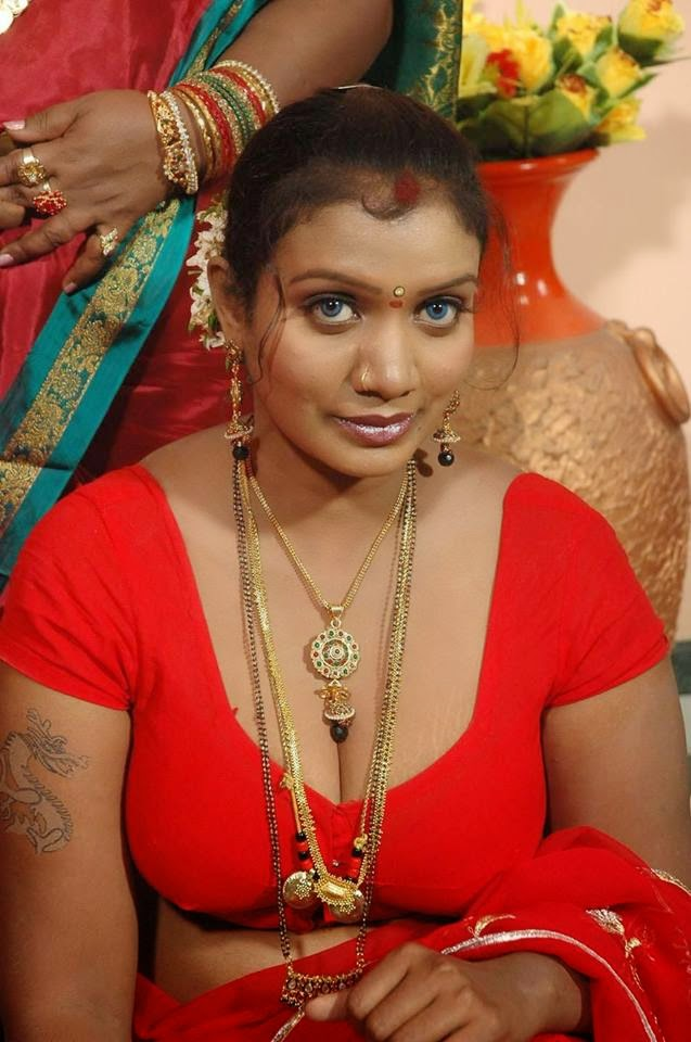 Telugu film aunties hot photos. Telugu Beautiful Actress