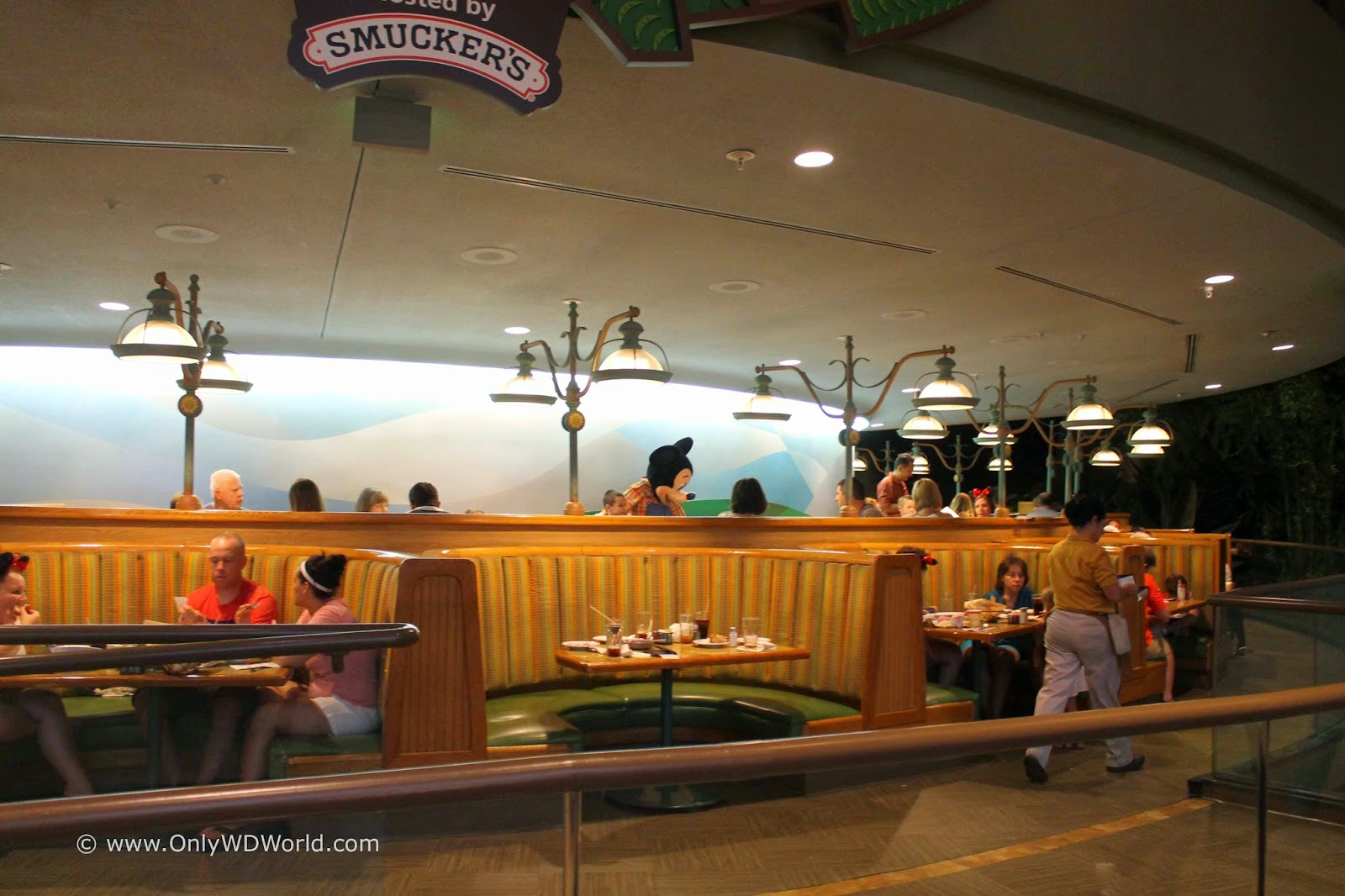 review of chip 39 n dale 39 s harvest feast at the garden grill restaurant in epcot disney world