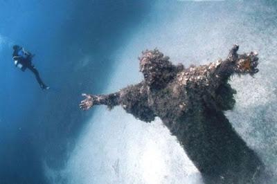 Cristo do Abismo em San Fruttuoso, Itália