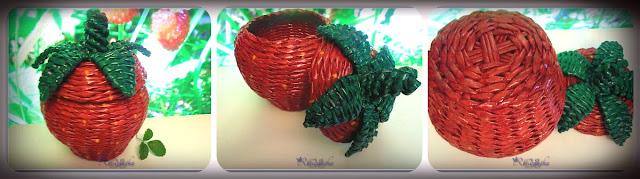 плетеная коробочка в форме ягоды