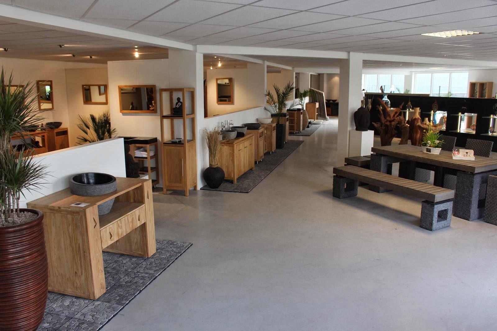Showroom Badkamermeubels, Wasbakken, Waskommen en Mozaïektegels ...