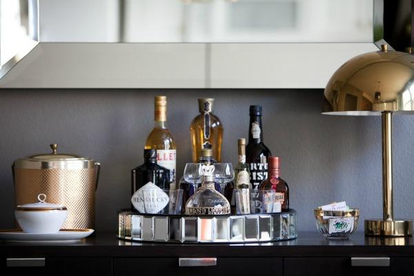 Lar dulci lar mini bar - Home bar set ups ...
