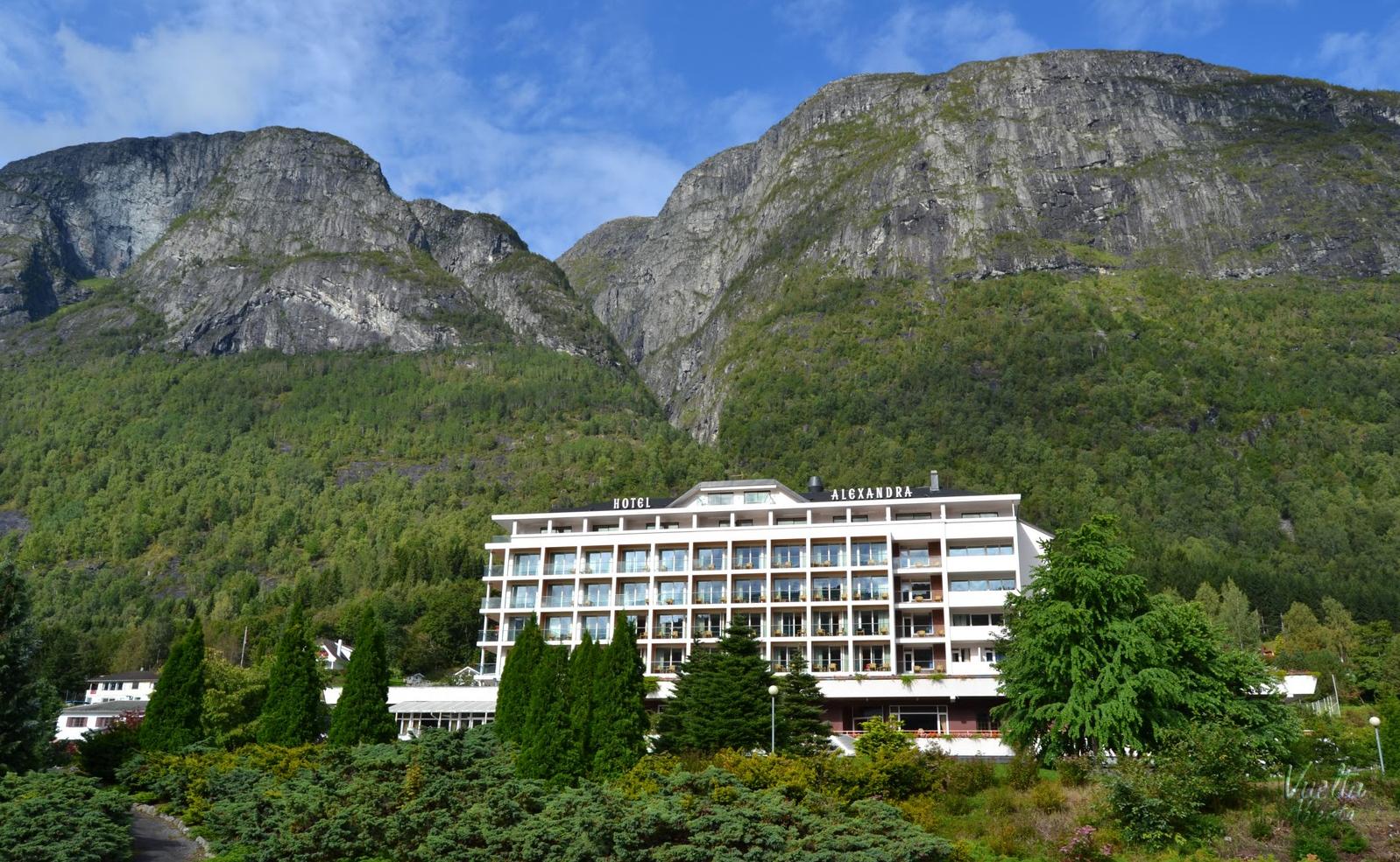 hotel alexandra loen alexandrano
