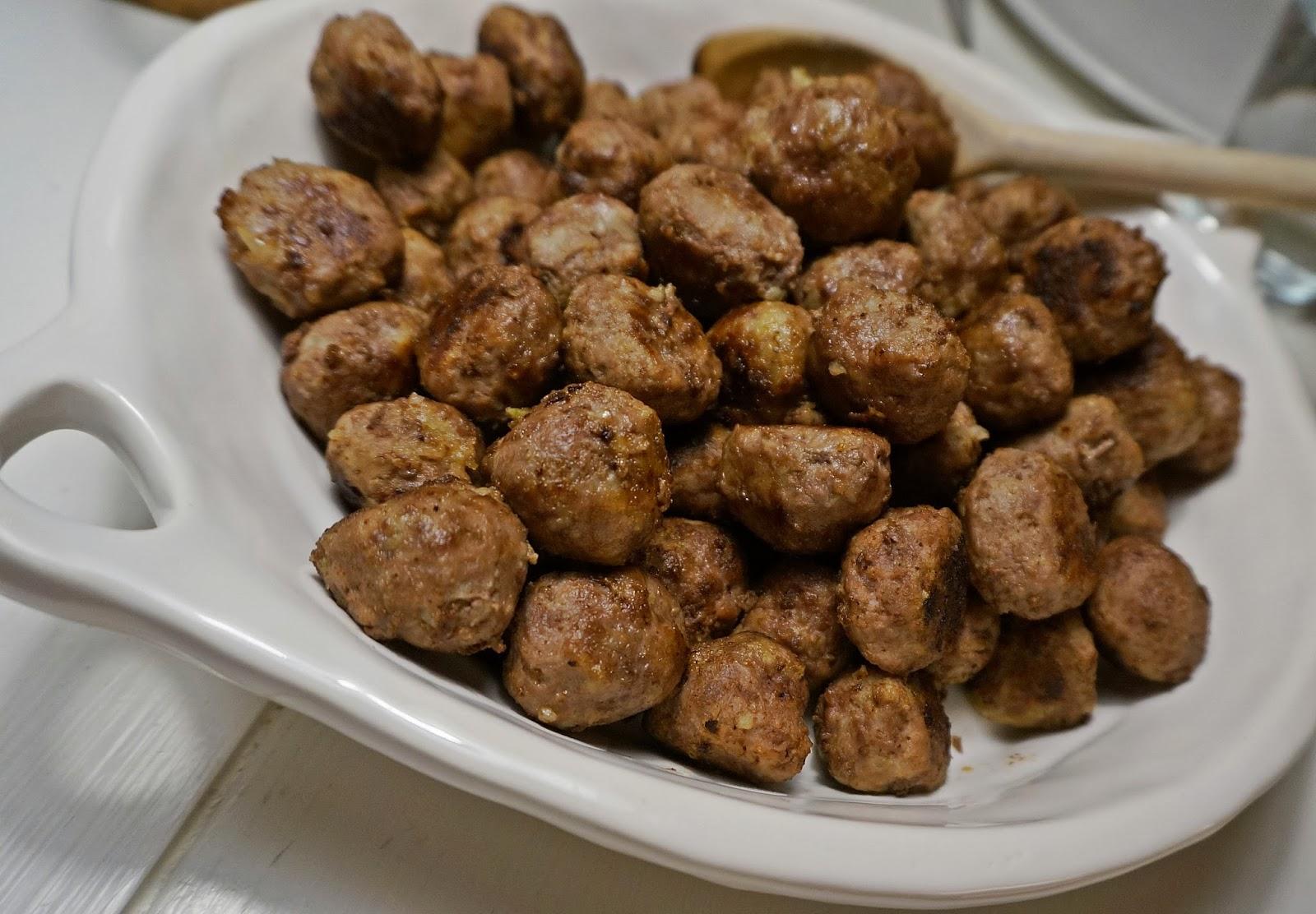 laga köttbullar i ugn