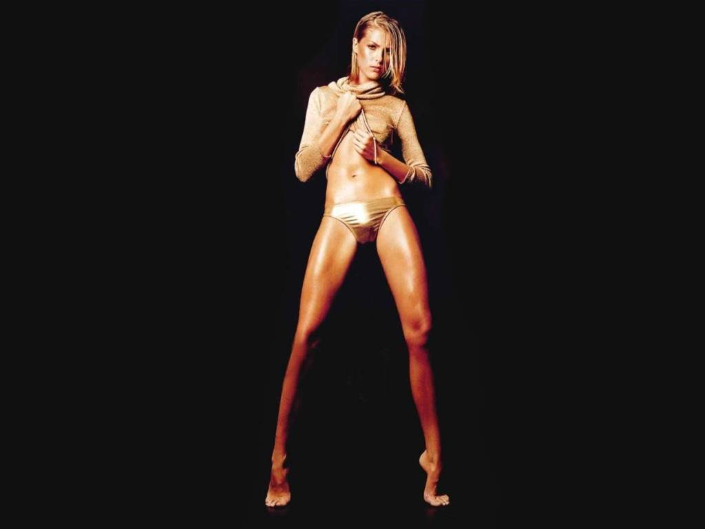 http://2.bp.blogspot.com/-TfeN0UymOp0/T3SGK8EOitI/AAAAAAAABjk/enEIThriywI/s1600/ana-hickmann-pernas-coxas.JPG
