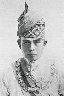SULTAN PERAK KE 30 (1918-1938)   Almarhum Sultan Iskandar Shah Kadasullah Ibni Almarhum Sultan Idri