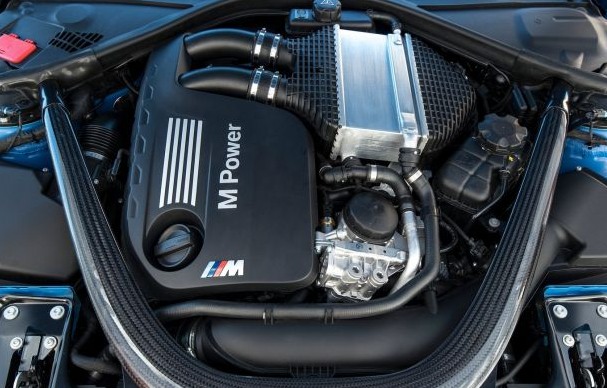2016 BMW M8 Engine