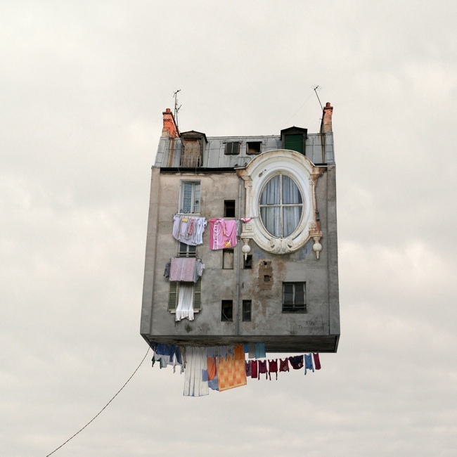 casa volando en cielo