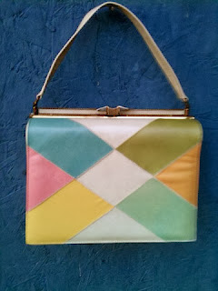 https://www.etsy.com/listing/167403556/vintage-60s-color-block-pursehandbag?ref=favs_view_22