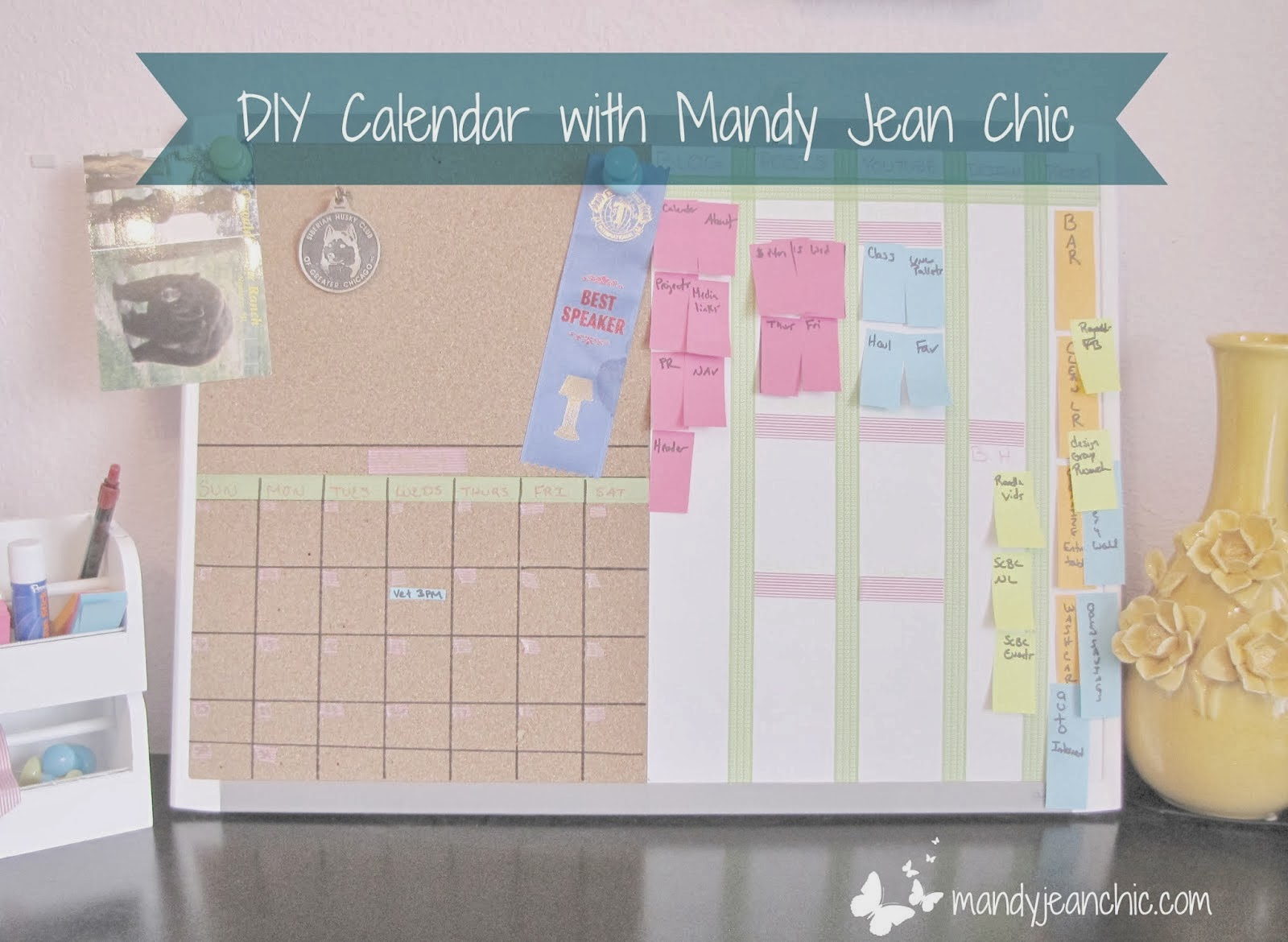 http://www.mandyjeanchic.com/2014/03/diy-cork-and-white-board-calendar.html