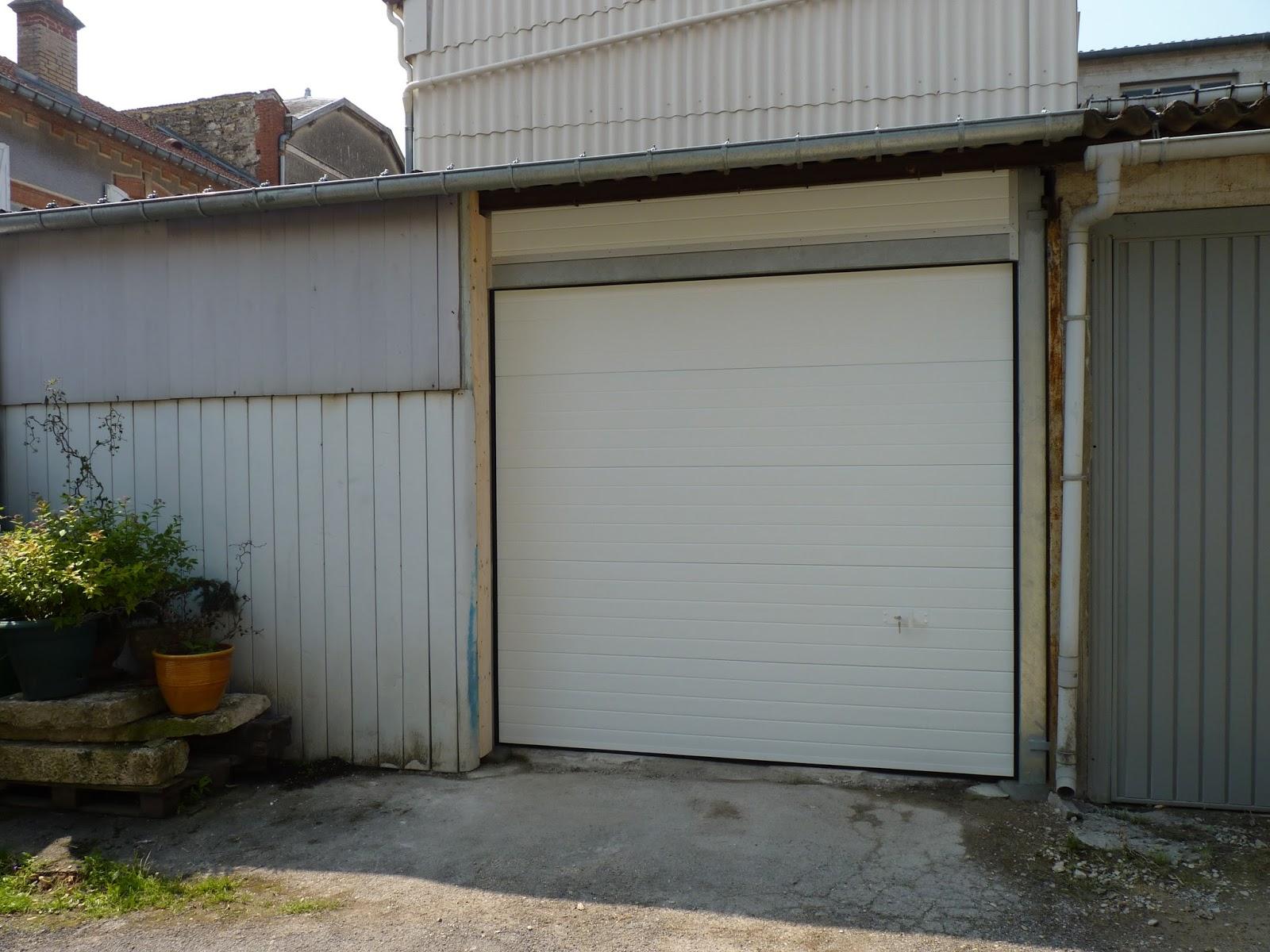 Portillon pvc brico depot for Portail coulissant pas cher brico depot