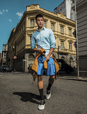 Reserva para C&A look urbano camisa, bermuda, meia e tênis