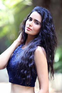 Actress Meenakshi Dixit Latest Pictureshoot Gallery  3.JPG