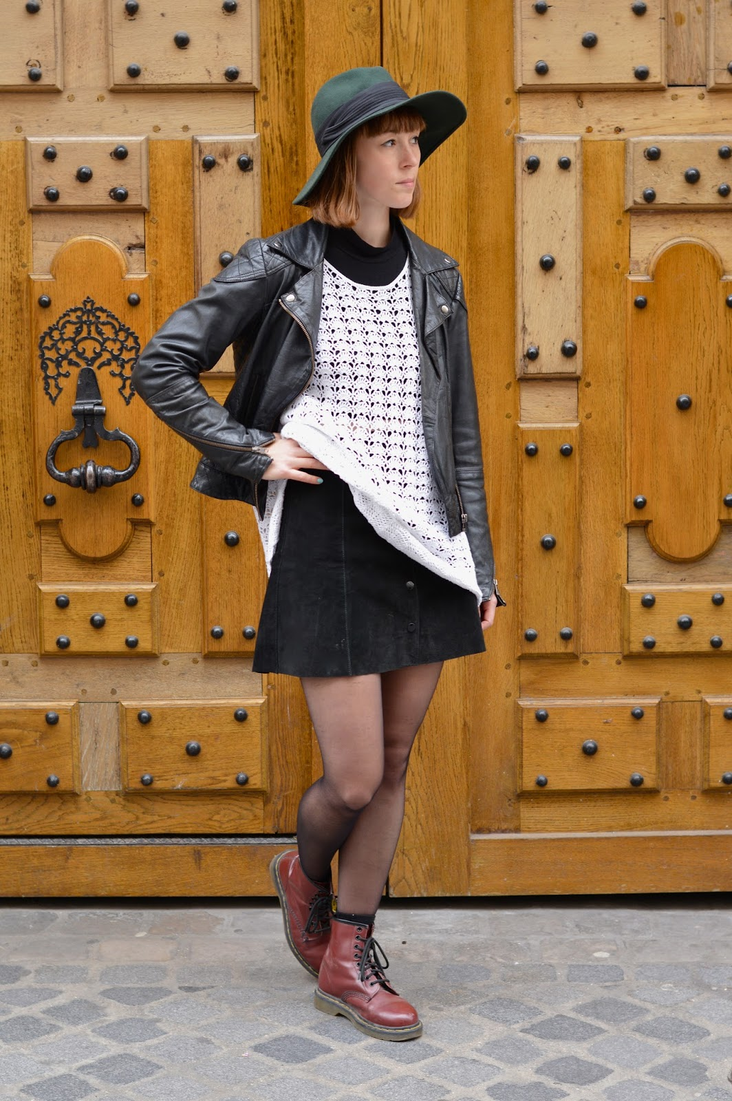 How to wear ss15 seventies trend crochet suede skirt big floppy hat