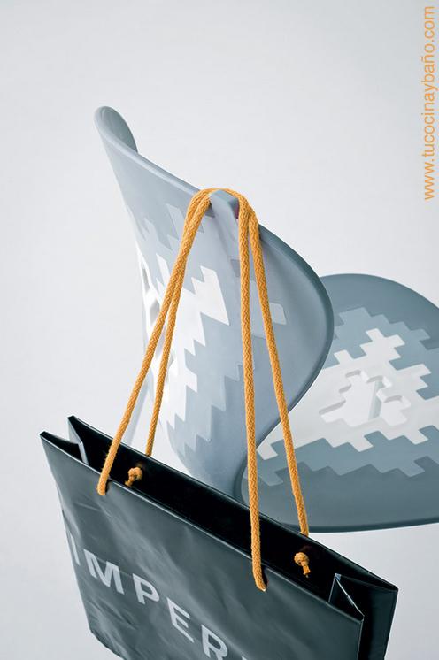 silla cuelga bolso colgador