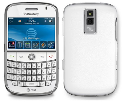 new edition White Blackberry Bold 9900