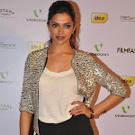 Deepika Padukone Hot At The Idea Filmfare Awards Nominations