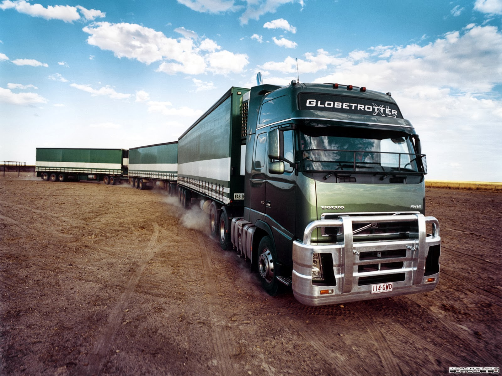 Volvo Trucks Wallpapers 004