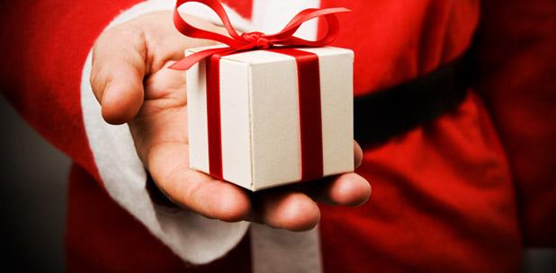 http://2.bp.blogspot.com/-Tga_Z4-PKDI/UIUp7dBPReI/AAAAAAAADtQ/wRnbxu1Dsuw/s640/idees-cadeaux-noel-2009-ba.jpg