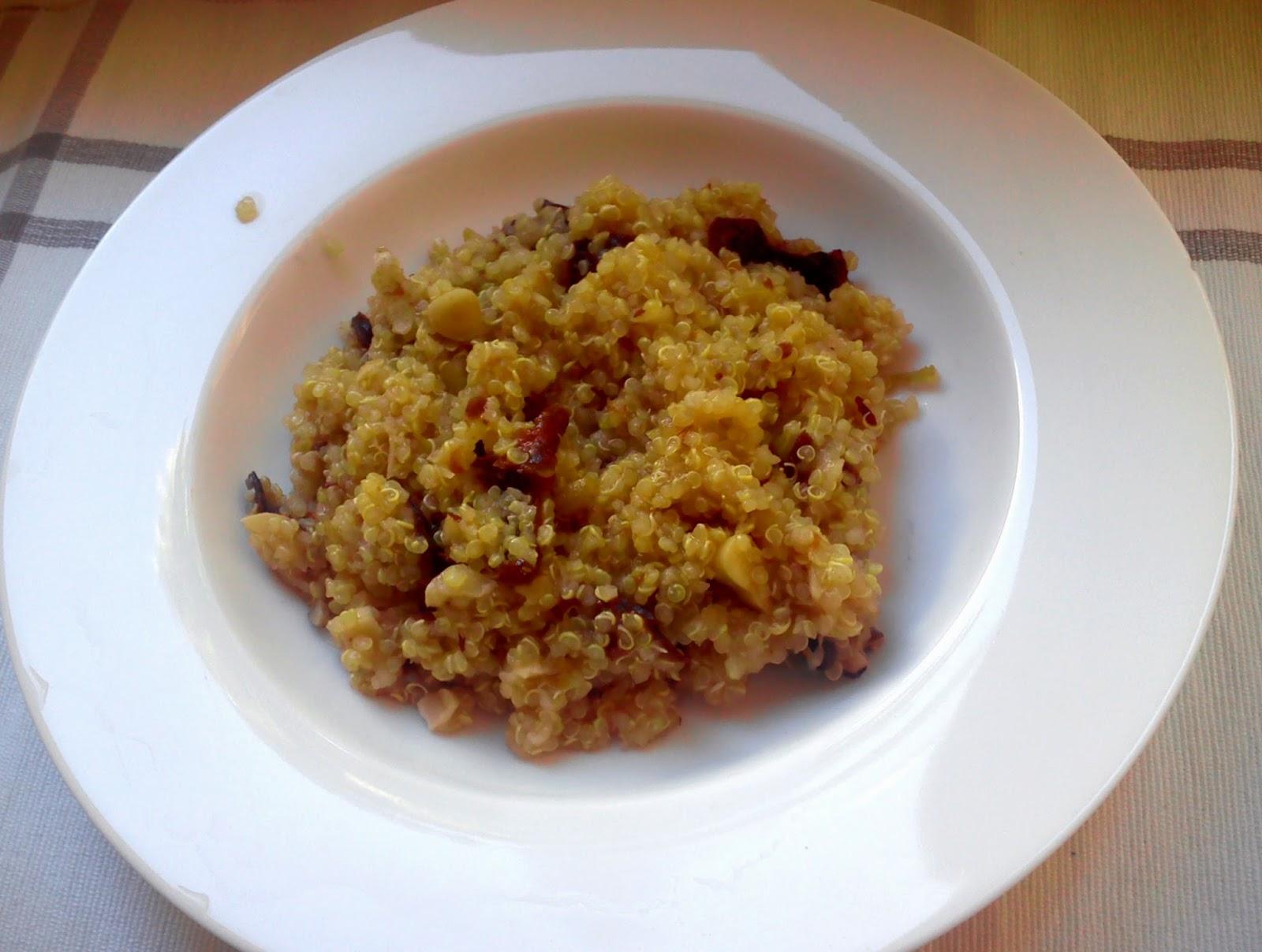Reseptit: kvinoapuuro mantelimaidon kanssa.