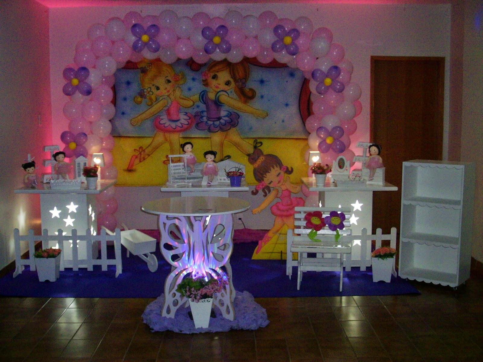 Decoração com mesa provençal para festa de aniversário infantil com o Tema das Bailarinas