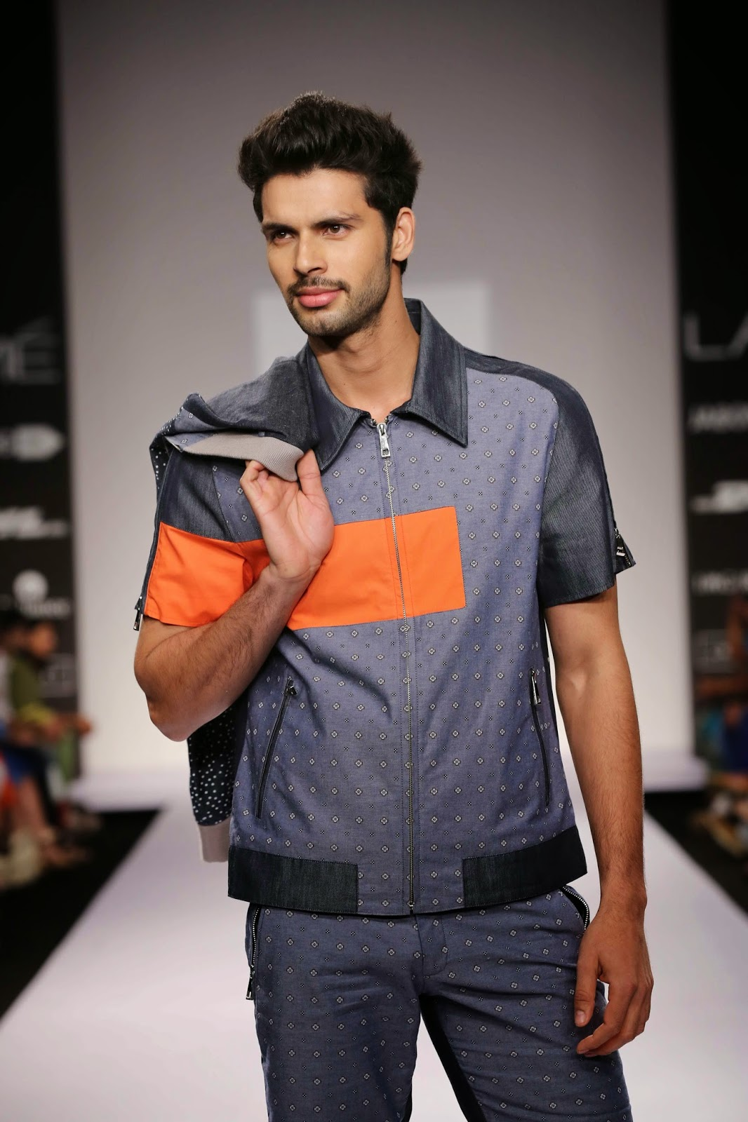"Blending work and resort wear in an unconventional manner, Nitin Chawla's ""Urban Voyager"" collection for Lakmé Fashion Week Summer/Resort 2014 was practical with attention to meticulous detailing."