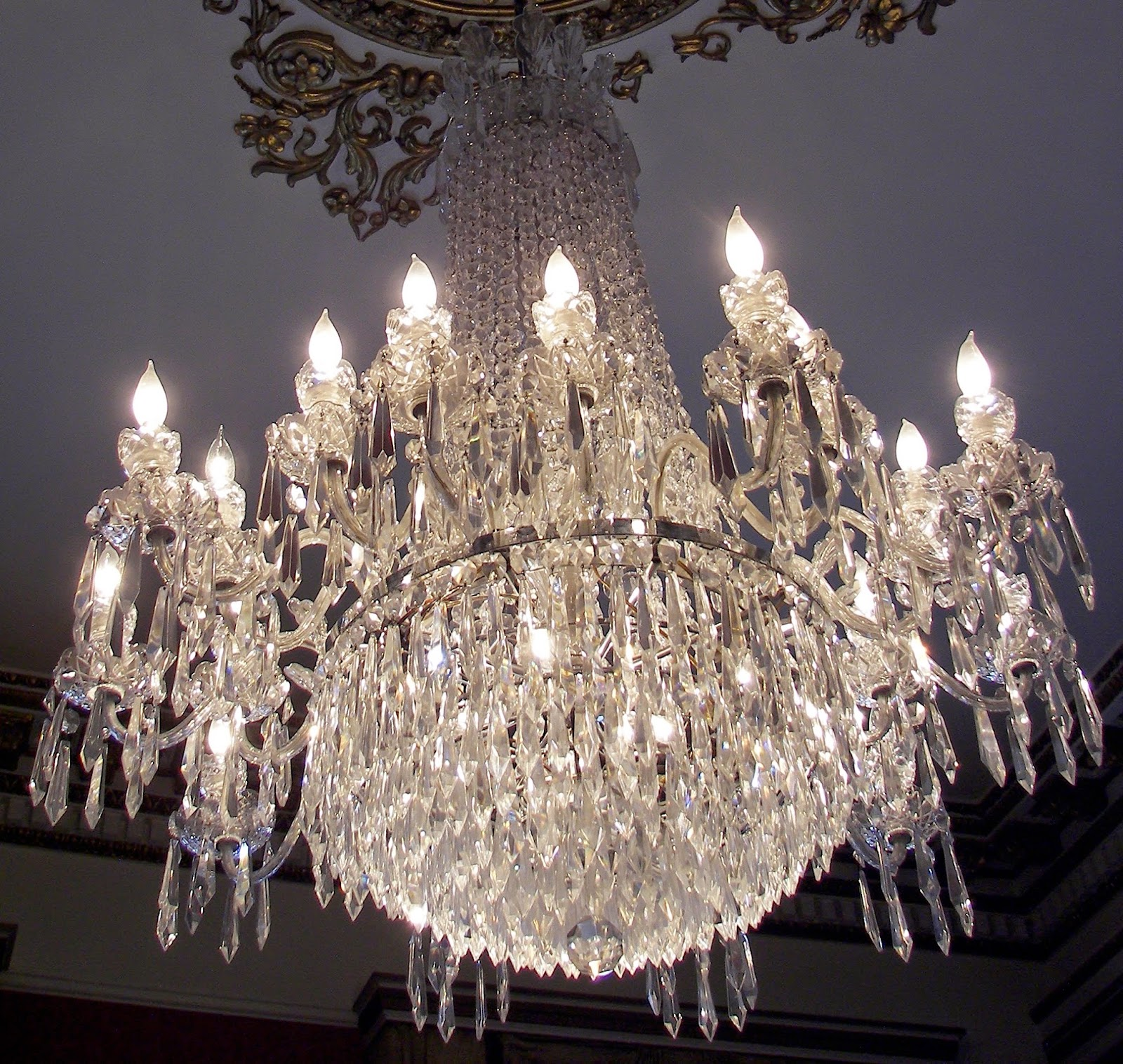 Superb Moving chandeliers safely