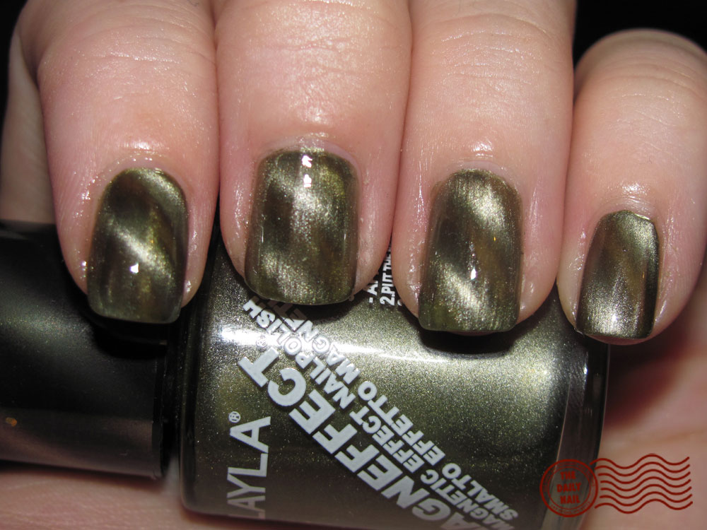 The Daily Nail Reviews: Layla Magneffect Polishes